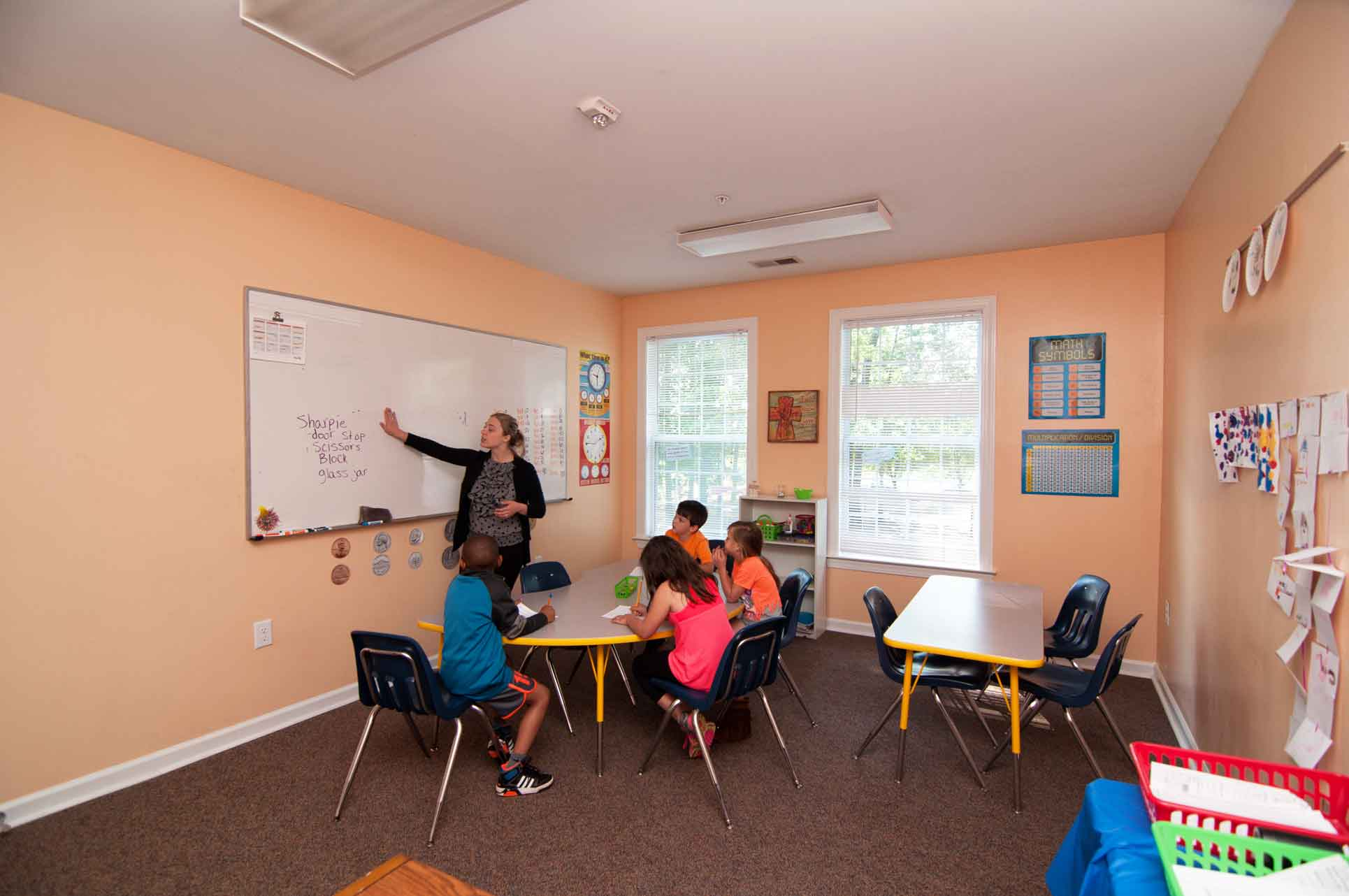 Burlingotn-Private-Elementary-School-Students-Learning-with-Teacher