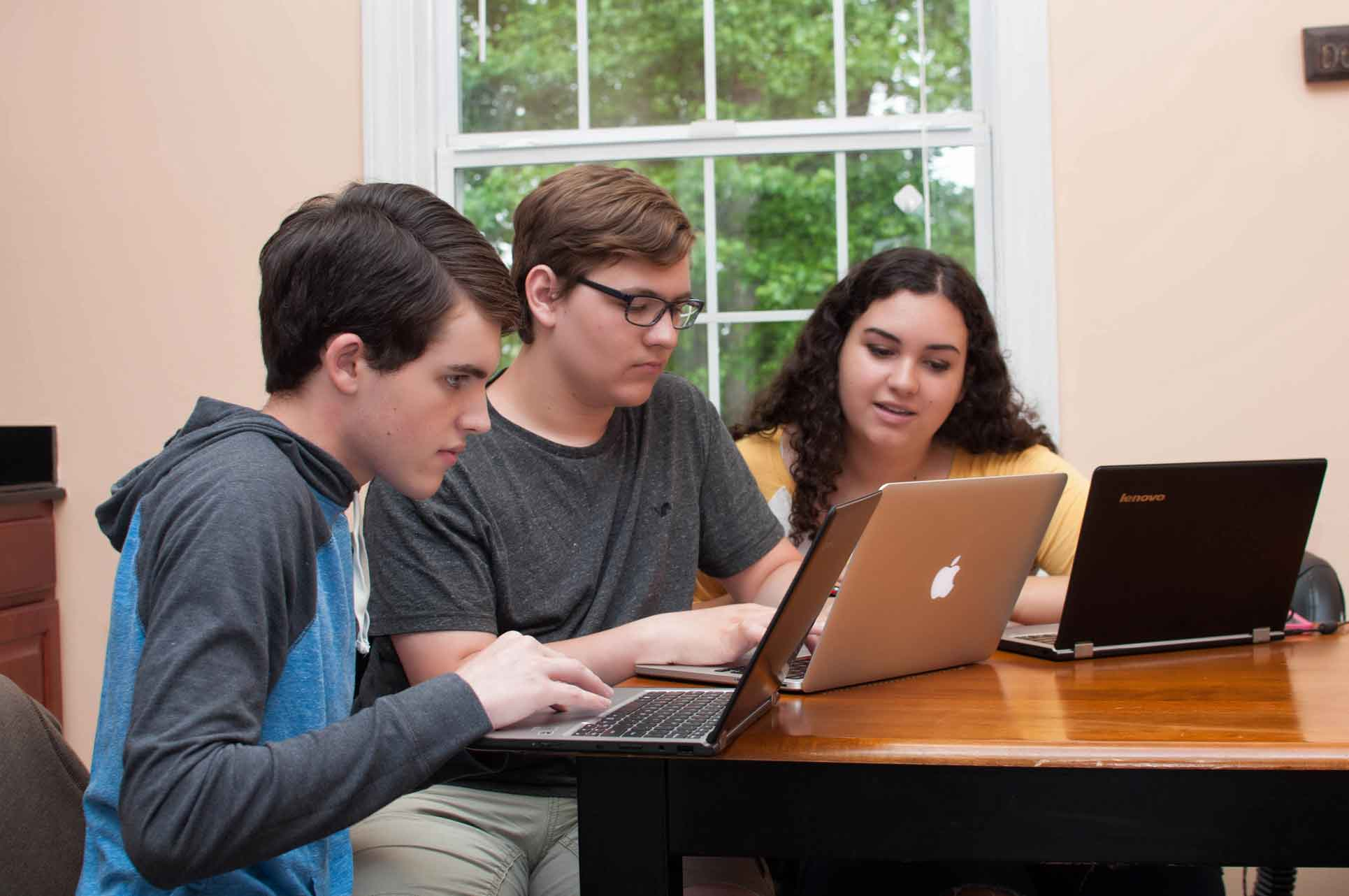 Private-Christian-High-School-Students-near-Burlington-between-Greensboro-NC-working-on-computers