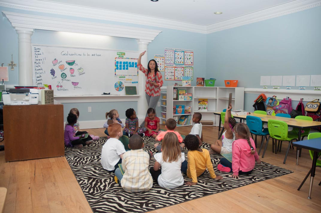Private-Christian-Montessori-Style-Kindergarten-Class-between-Burlington-and-Greensboro-NC